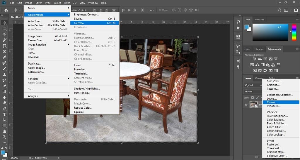 menambahkan adjustment layer curves untuk memberi efek vintage pada foto di Adobe Photoshop