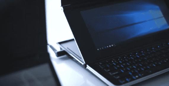 Laptop layar ganda baru ASUS yang sedang beraksi